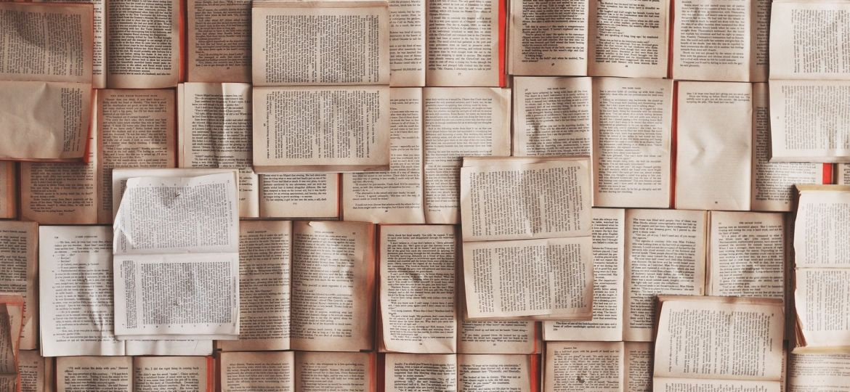 books-1245690_1920 (1)